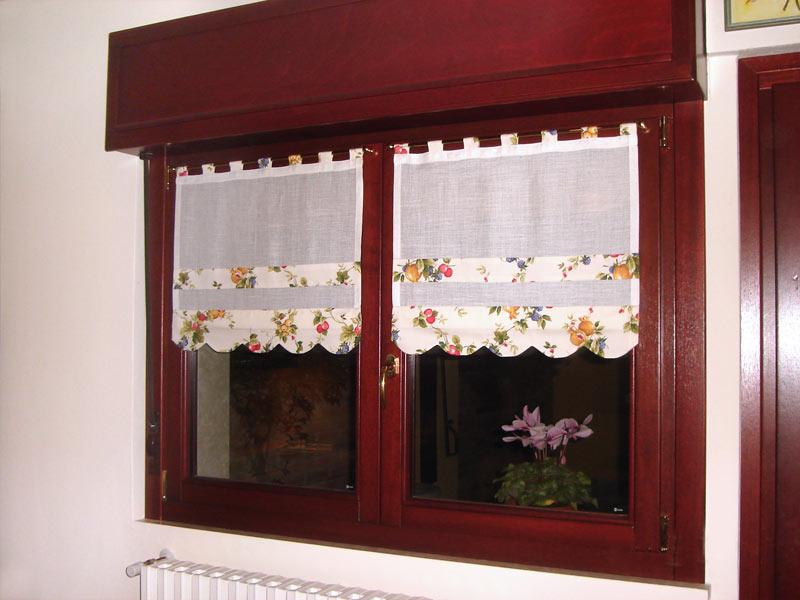 Tendine a vetro tendaggi parini tende su misura - Tendaggi per cucina ...